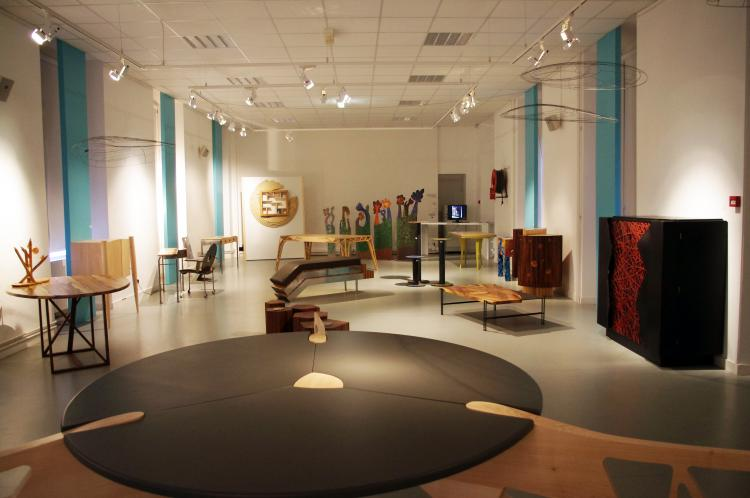les ebenistes createurs de bretagne ateliers d 39 art de france. Black Bedroom Furniture Sets. Home Design Ideas